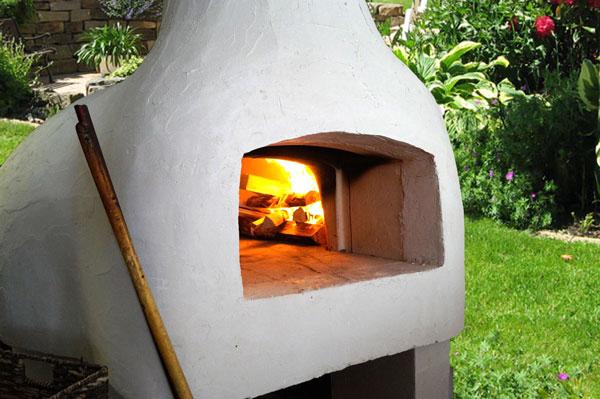 Pizzaofen im Außenbereich